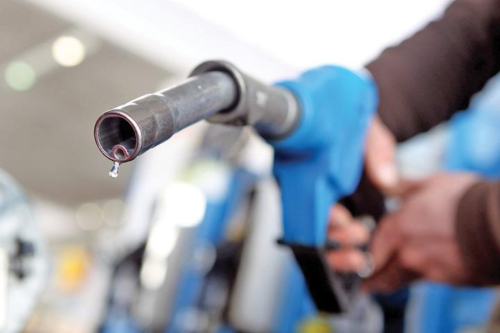 taxe Taxele, jumatate din pretul carburantilor