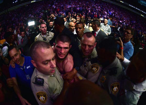 3 1 Cafteala şi arestari dupa meciul McGregor Nurmagomedov