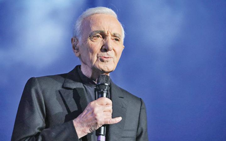 aznavour Charles Aznavour s a stins din viata