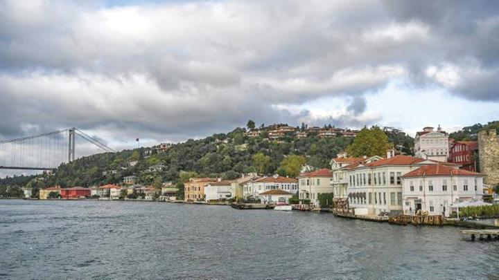 case Turcii fac imobiliare cu cetatenie la pachet