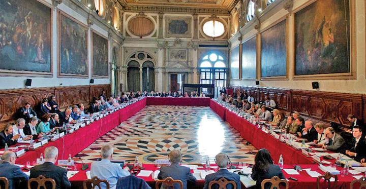 comisia de la venetia 1 Viitorul european al Romaniei, la mana amicilor lui Iohannis