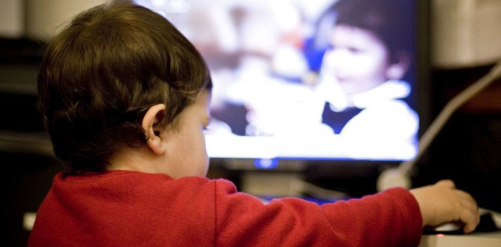 copii social media Marea Britanie vrea limitarea timpului pe social media