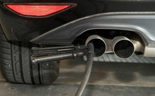 diesel Merkel, acord scremut  privind vechile diesel