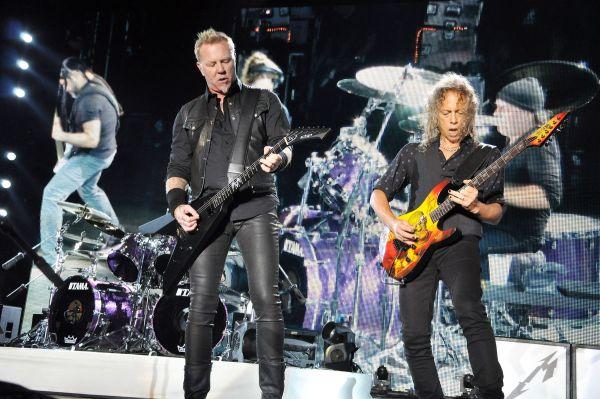 metallica Bişniţa cu biletele Metallica