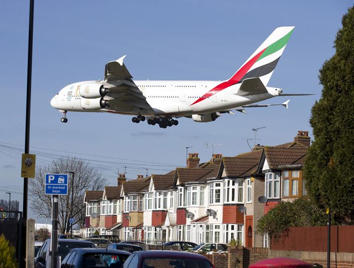 oms 1 OMS cere reducerea zgomotului avioanelor