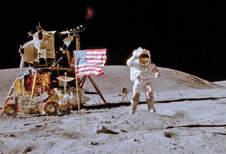 steag bun 1 Drapelele SUA de pe Luna sunt ferfenita