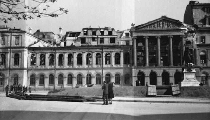 universitatea dupa bombardament 720x413 Palatul Universității București, triumful ştiinţelor (I)