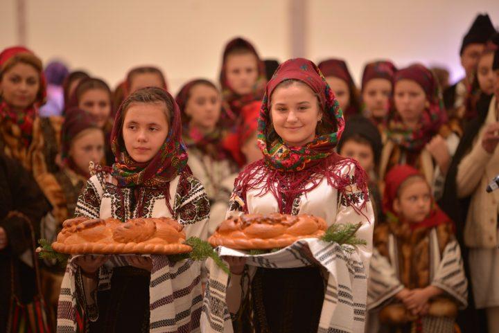 De Centenar, inima Bucovinei reunite bate la București, În inima Țării Mamă! Programul Festivalului Bucovinei