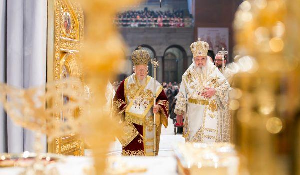 Patriarhul Ecumenic liturghie CMN.x71918 1 Catedrala Mantuirii Banului
