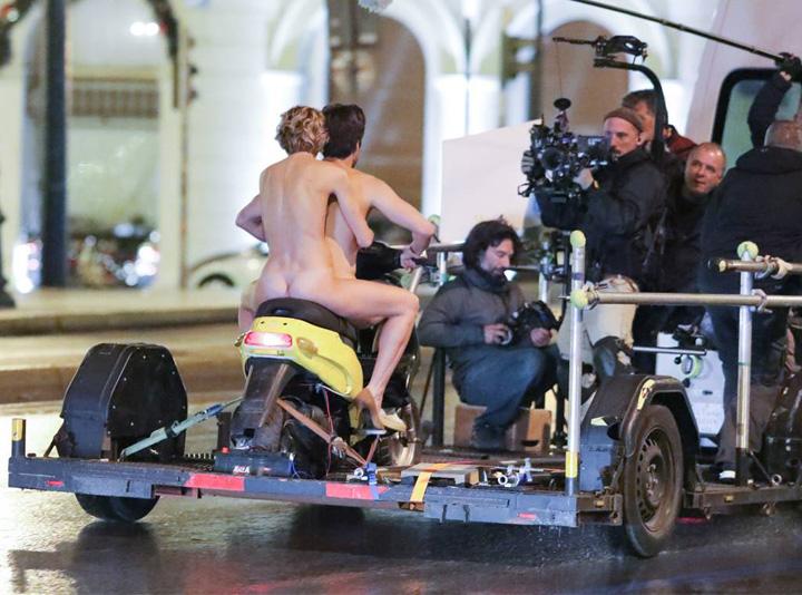 actor 3 Sebastian Stan, gol pusca pe scuter