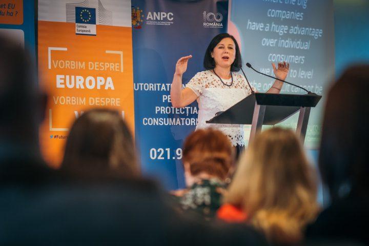 comisar 720x480 Comisarul european pe Justitie, discutii cu Iohannis si cu Toader