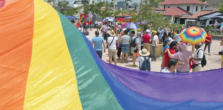 costa rica Udrea, Costa Rica devine LGBT!