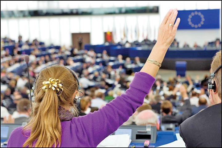 europeanparliament voting Bolsevicii de la Bruxelles, intre ura si prostie