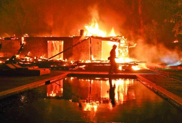 foc 1 Incendii catastrofale in California