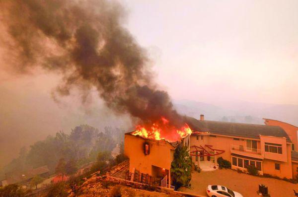 foc2 Incendii catastrofale in California