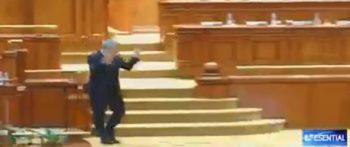 "iord 350x147 Iordache, surprins cu degetele mijlocii pe sus, in plen: ""Vi s a parut"" (VIDEO)"