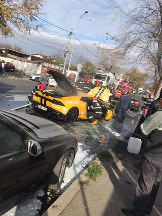 lamborghini1 Lamborghini in flacari in Capitala