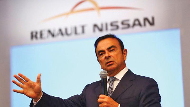 nissan Nissan a cheltuit milioane pe vilele bossului Renault