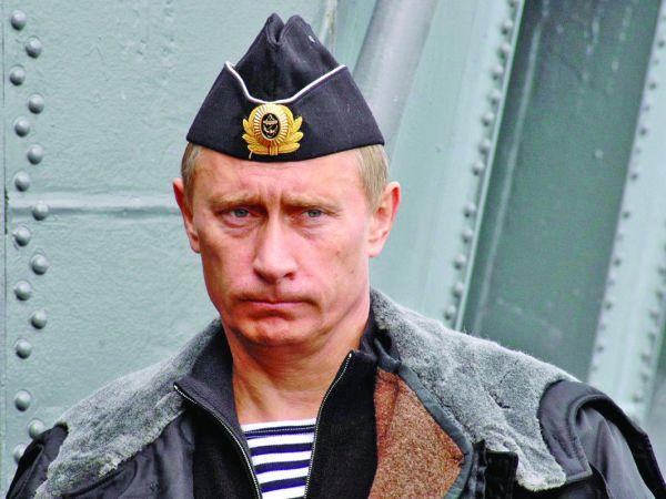 putin 1 Putin trage cu gloante, Occidentul trage cu vorbe