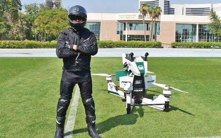 robocop Politia din Dubai are motociclete zburatoare