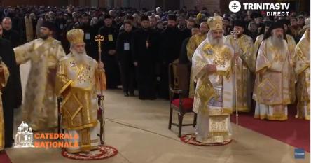 slujba Slujba de Sfantul Andrei, oficiata la Catedrala Nationala de catre Patriarhii Daniel si Teofil al Ierusalimului
