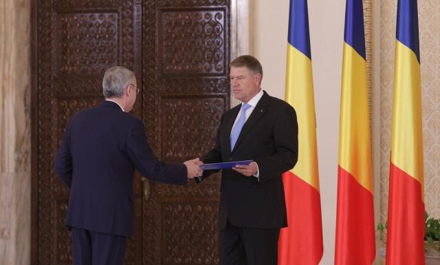 Iohannis, mesaj pentru Guvern la juramantul noului ministru al Afacerilor Europen: Inca se poate
