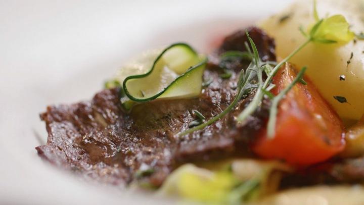 artificiala Steak ul din vita... artificiala