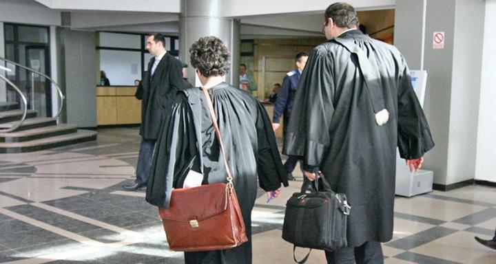 avocati Avocatii se rascoala impotriva procurorilor
