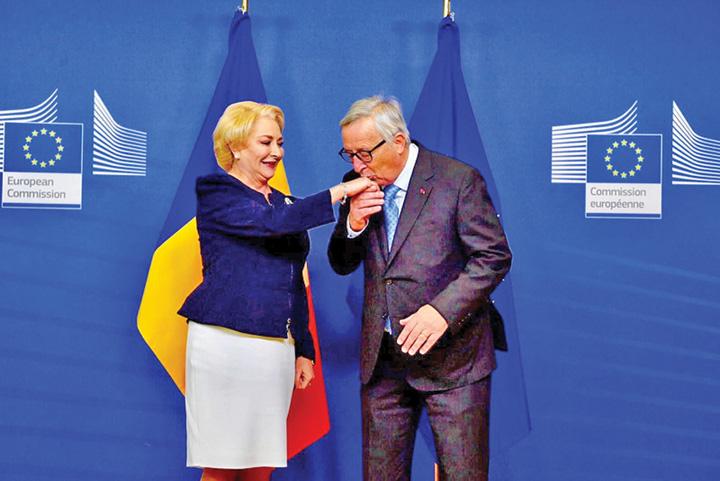 junker dancila Europa ii da in cap lui Iohannis cu Guvernul PSD!