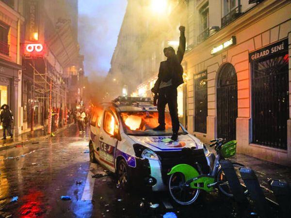 paris3 Macron si a pus poporul in cap
