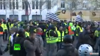 porteste 350x196 Protest la Paris. Imagini live din capitala Frantei (VIDEO)