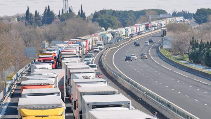 transportatori Franta, in menghina revolutiei protestelor