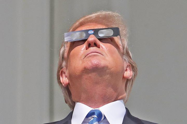 trump medalion Spacecom, noua jucarie a lui Trump