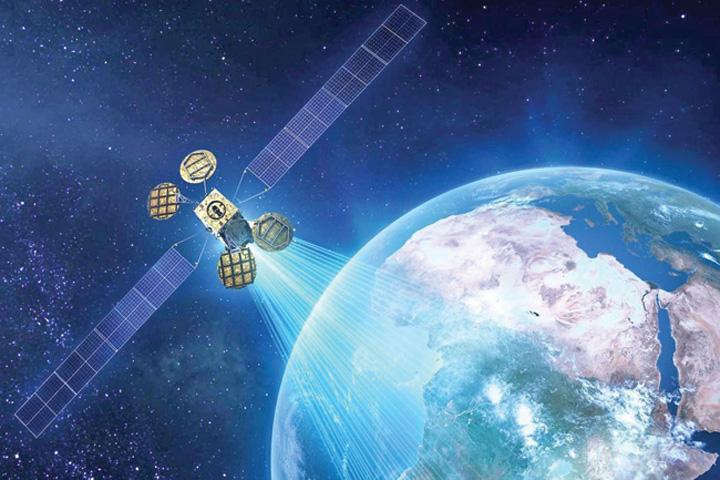 trump spatiu Spacecom, noua jucarie a lui Trump
