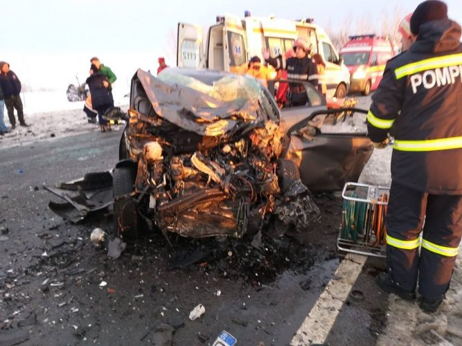 accident 2 667x500 Accident cu urmari grave: un mort si doi raniti, in Giurgiu