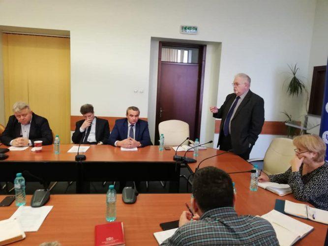 discutii sindicate 667x500 Discutii la Ministerul Energiei, pe fondul protestului de la CE Oltenia