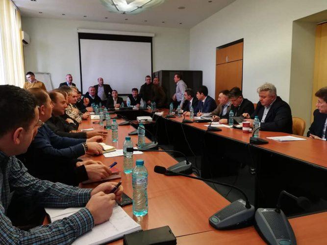 discutii sindicate2 667x500 Discutii la Ministerul Energiei, pe fondul protestului de la CE Oltenia