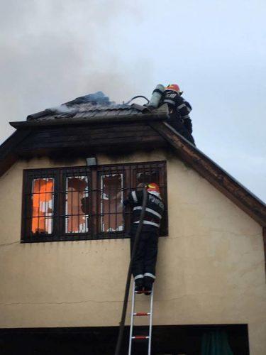 incendiu plasament 375x500 Incendiu la un centru pentru copii cu dizabilitati din Oradea (VIDEO)