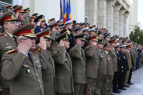 militari Expert in securitate nationala: Nu poti sa te duci in contencios administrativ cu ierarhia militara