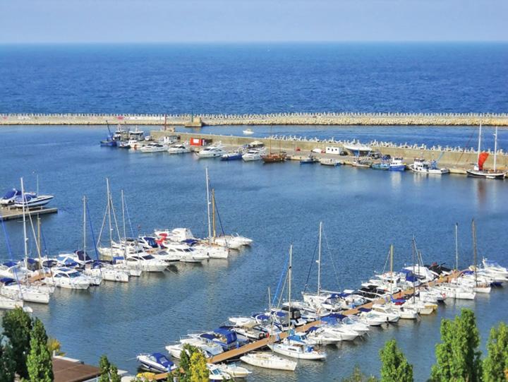 portul turistic tomis  Serviciile secrete olandeze umilesc Romania!