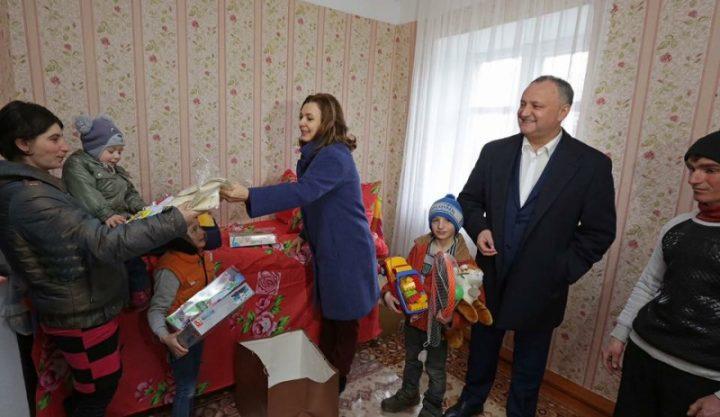 Dodon si sotia 720x417 Rusia se pregătește de alegeri: azi în Republica Moldova, mâine în România