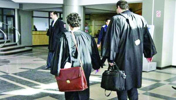 avocata falsa Medicul cu 8 clase, ajutat in cariera de o avocata falsa