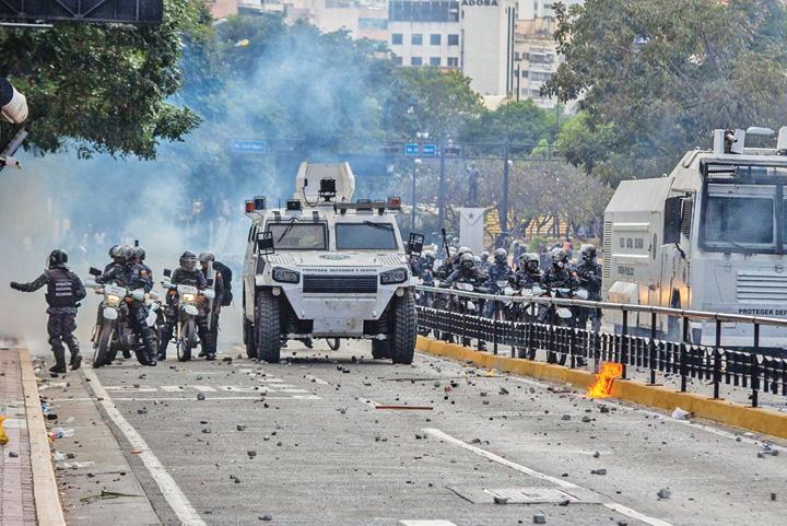 maduro 1 Maduro blocheaza ajutoarele umanitare pentru Venezuela
