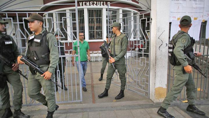 maduro 4 Maduro blocheaza ajutoarele umanitare pentru Venezuela