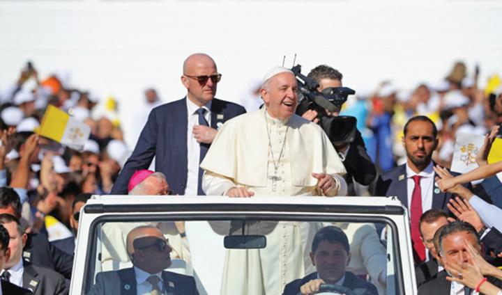 papa 3 1 Papa Francisc, triumf in Emirate