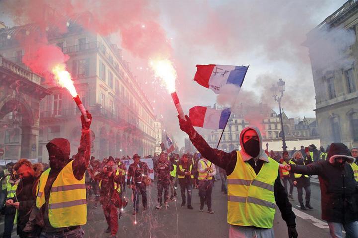 paris 1 Parisul strange surubul protestelor