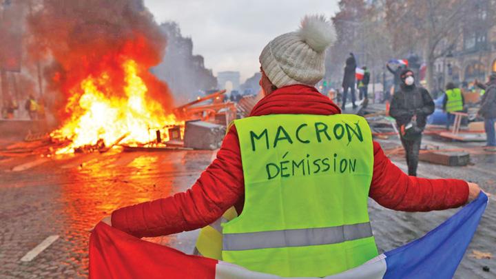 vestele galbene Macron, referendum surpriza pentru Vestele Galbene