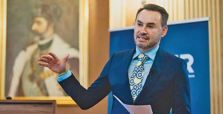 Gheorghe Falcă Falca le ia politistilor uniforme de mii de euro