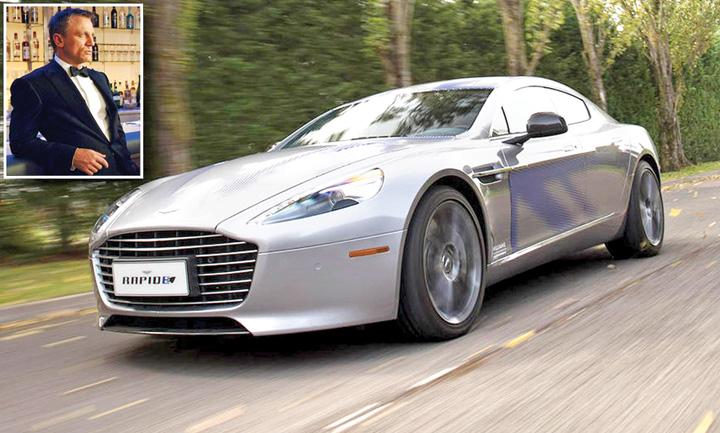 bond 1 James Bond si a tras masina electrica