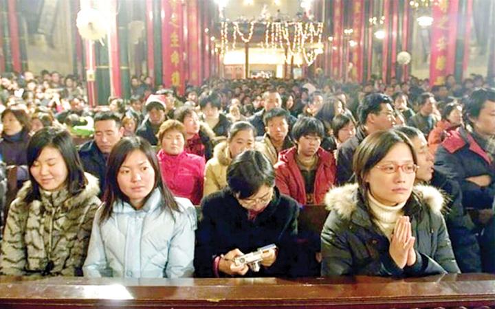 """crestinism Crestinismul """"rastoarna"""" puterea de la Beijing"""